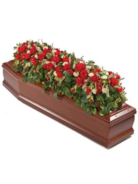 copribara di rose rosse