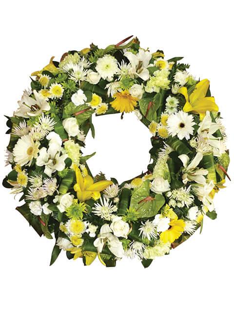corona funerale dai toni chiari